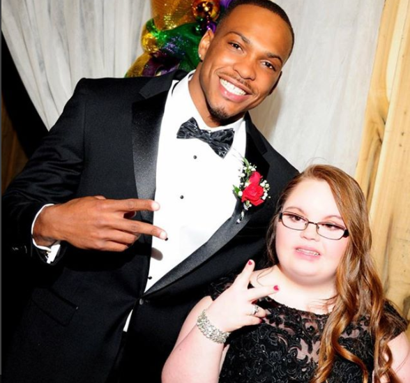Inside the 49ers san francisco 49ers news discussion opinions 49ers db don jones takes girl with down syndrome to prom voltagebd Choice Image